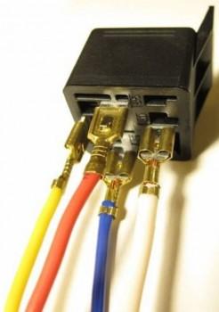 Подключение реле с помощью проводов с наконечниками МАМА . - Подключение реле с помощью проводов с наконечниками МАМА. .jpg