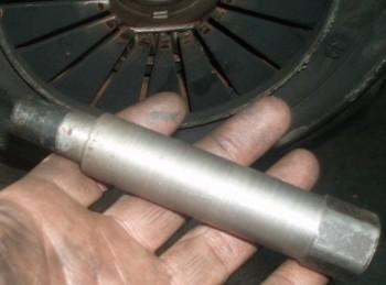 Оправка для центровки ведомого диска. Вытачивается индивидуально под ступицу Вашего ведомого диска. - Оправка для центровки ведомого диска. Вытачивaется индивидуально под ступицу Вашего ведомоого диска. .jpg